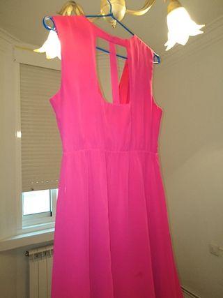 vestido de fiesta en rosa fucsia