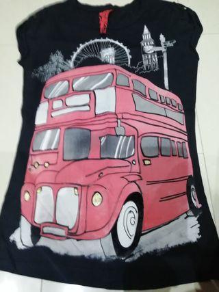 camiseta BERSHKA mujer autobus