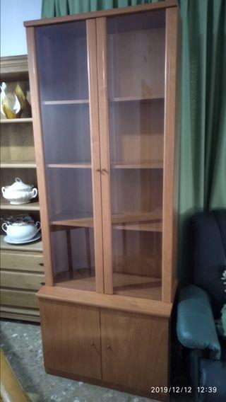 vitrina con mueble bajo