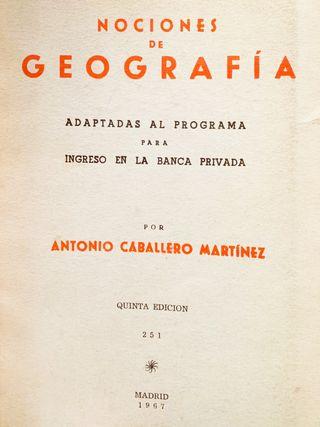 Libro antiguo de Geografía