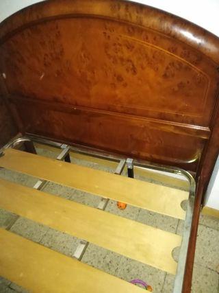 se vende dormitorio de matrimonio de madera