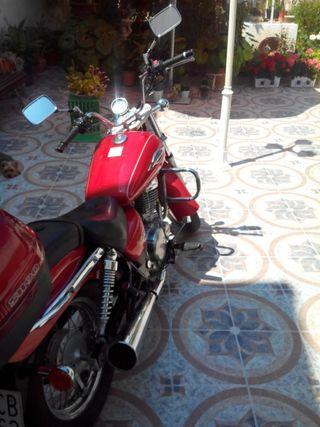 Suzuki Marauder 250cc