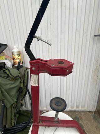 Maquina para poner corchos embotellar