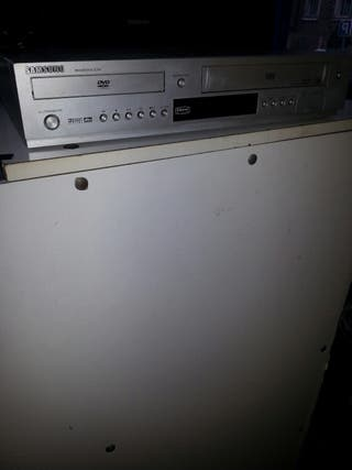Reproductor VHS y DVD