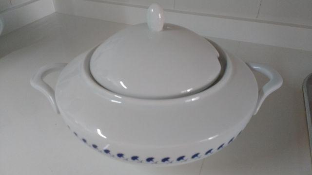 Sopera de porcelana fina