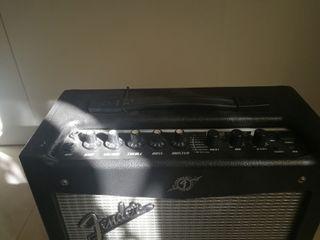 Fender mustang i v2 black amplificador guitarra