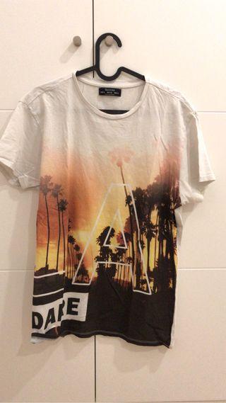 Camiseta Bershka Practicamente Nueva