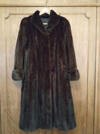 Abrigo de lomos de visón de color marrón oscuro