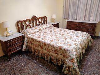 Dormitorio clásico italiano con mármol