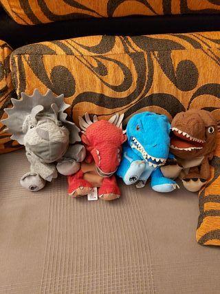 Marioneta dinosaurios