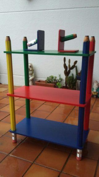 Mueble infantil motivo lápices con sujeta libros