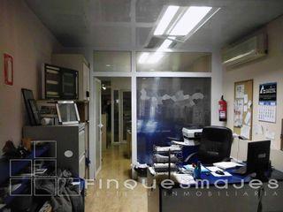 Nave industrial en venta en Gràcia en Sabadell