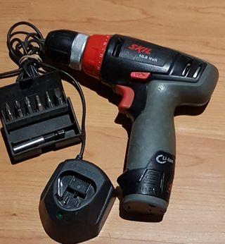 Atornillador SKil 10.8V. (Bosch )