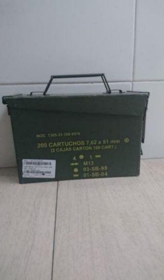 caja pequeña de municion