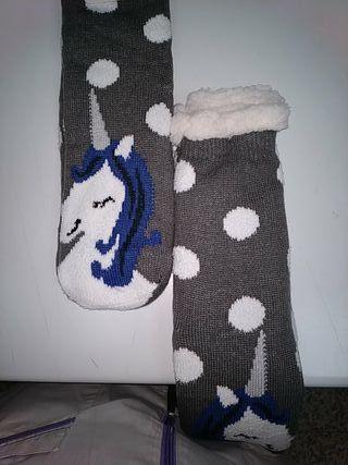 Calcetines calentitos nuevos SOLIDARIO