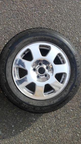 llanta con neumático