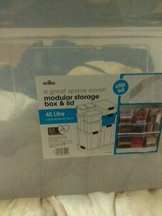 modular storage box & clothes line portable