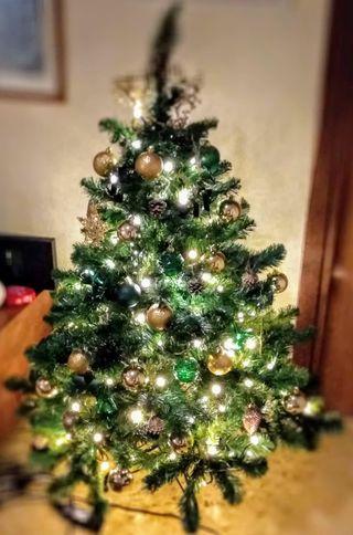 Lote Árbol Navidad con bolas y luces completo