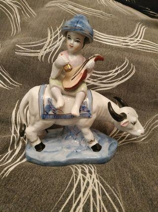 figura chino con buey