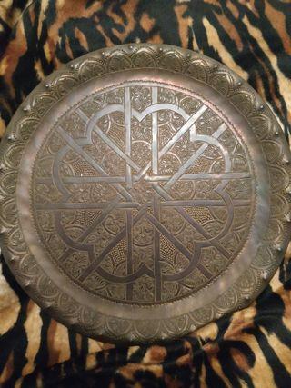 plato en bronce