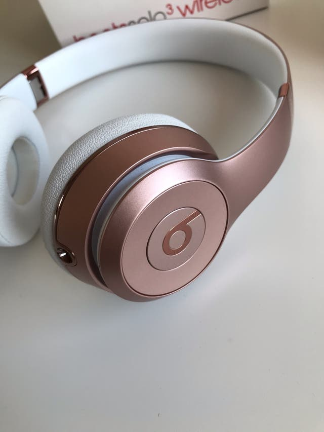 Beats solo 3 (Rose Gold)