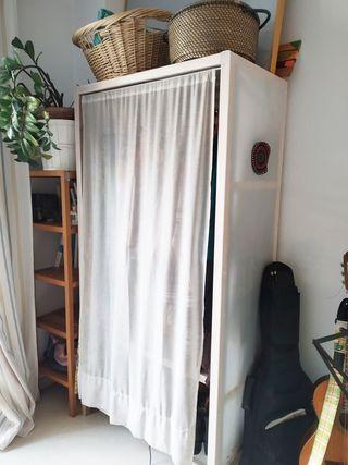 armario Super ligero con cortina