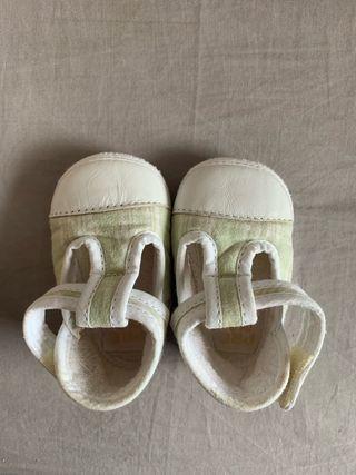 Zapatillas marca Prenatal