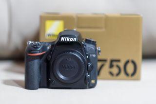 Cámara de fotos Nikon D750 de marzo de 2018