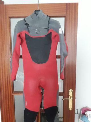 traje de neopreno surf