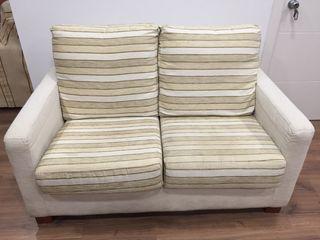 Sofá de dos plazas y sillón
