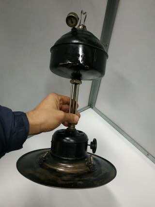 lampara de petroleo muy antigua estilo petromax