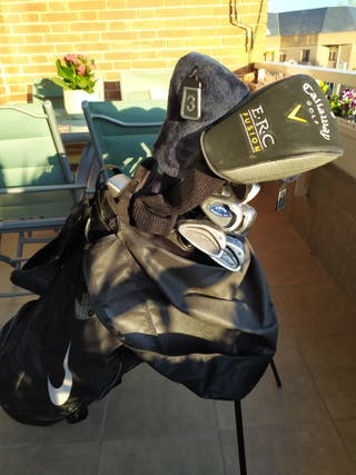 Palos de golf para zurdos con bolsa y carro.