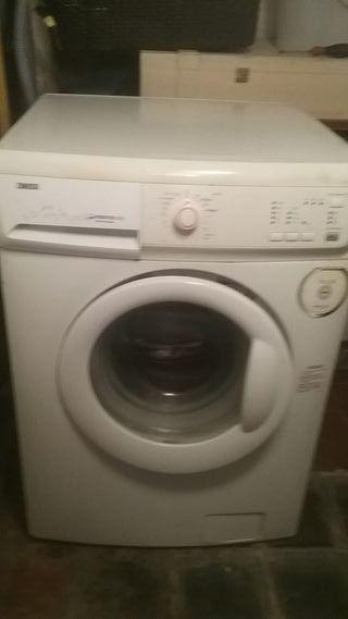 URGE!!!!!!!lavadora zanussi para piezas o reparar