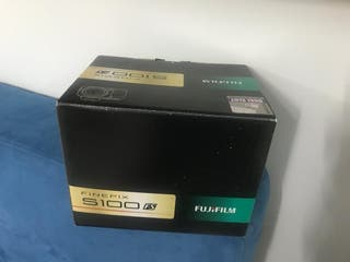 Cámada Fujifilm FINEPIX S100