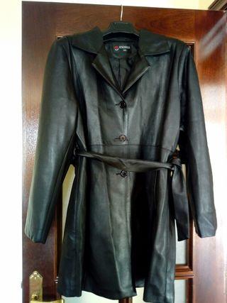 abrigo piel sintética