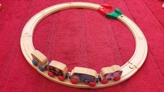 circuito de madera circular con tren