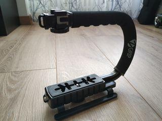 Grip estabilizador para cámara de fotos o video