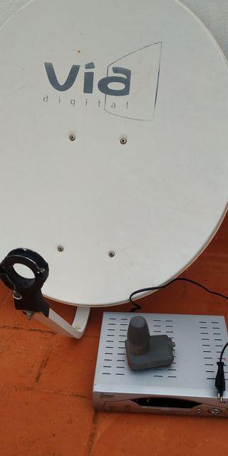 antena parabólica y receptor