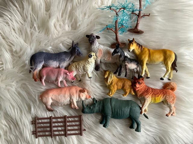 BOTE ANIMALES DE JUGUETE