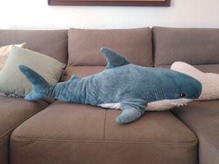 peluche tiburón ikea