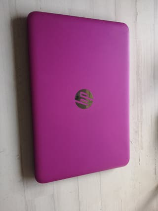 Ordenador portátil HP rosa fucsia