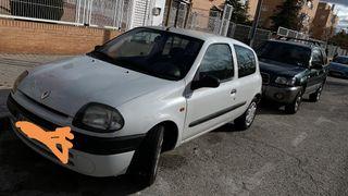 Renault Clio 150 mil k con itv pasada.Muy buen estado
