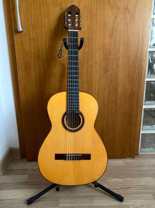 Guitarra Amplificada Antonio Bernal