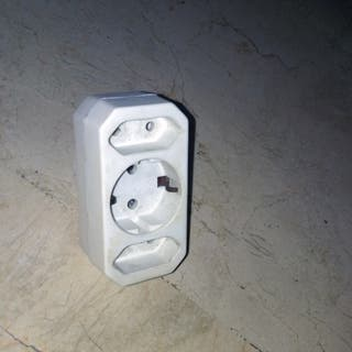ENCHUFE LADRÓN MULTIPLUG
