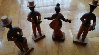 Figuras de madera. Grupo de 4 músicos Cubanos
