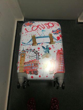 maleta cabina compañía low cost