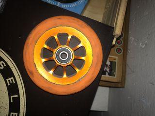 Rueda River naranja 110 scooter