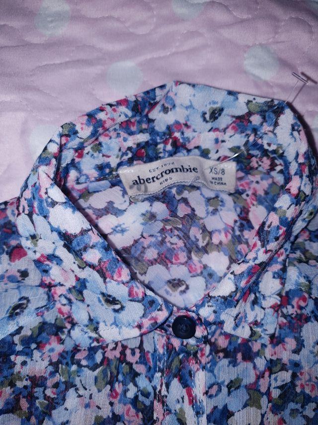 blusa de flores