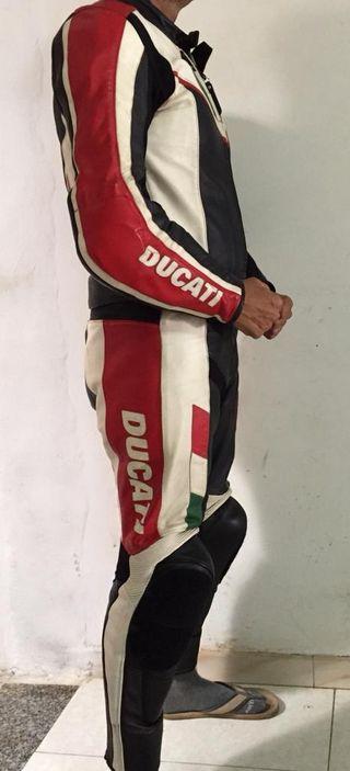 Mono Ducati Dainese