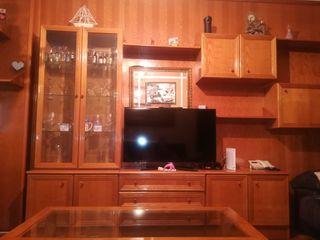salón completo de pino, color miel